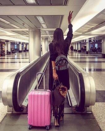 fotos-no-aeroporto-postura-feminina