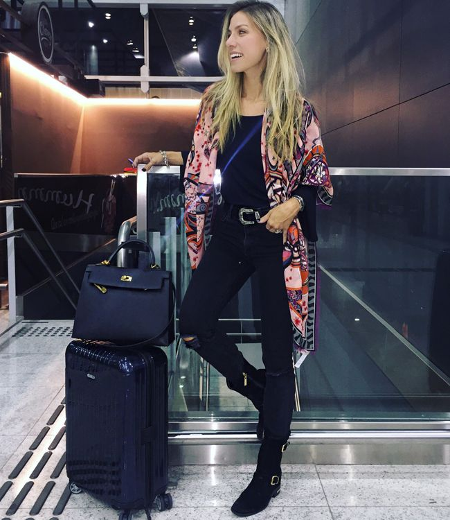 fotos-no-aeroporto-postura-feminina10