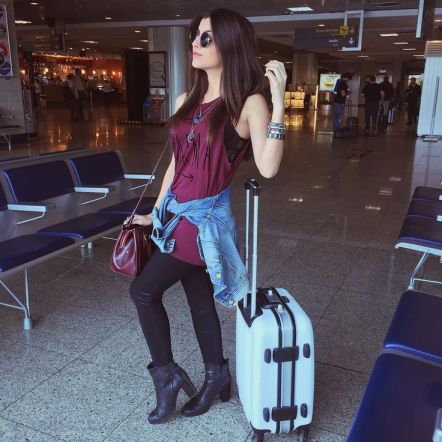 fotos-no-aeroporto-postura-feminina11