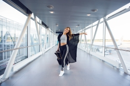 fotos-no-aeroporto-postura-feminina7